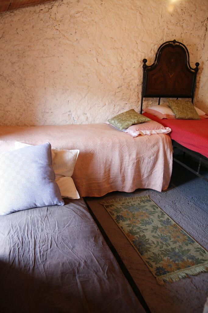 loftroom2small.jpg